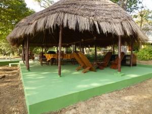 Case restaurant Faro Sud safari chasse Cameroun